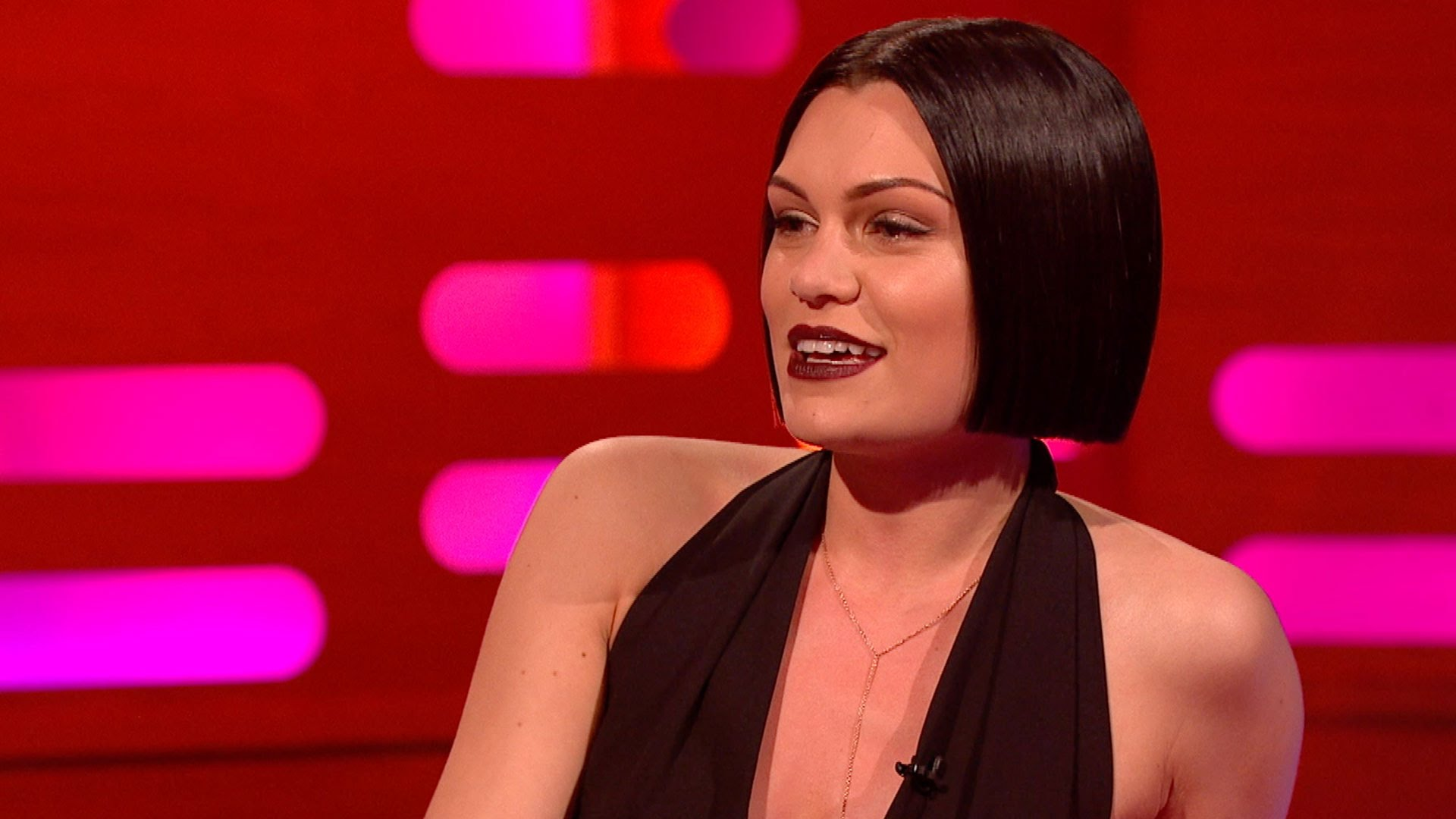 Jessie J is awesome even with her mouth shut!!!
