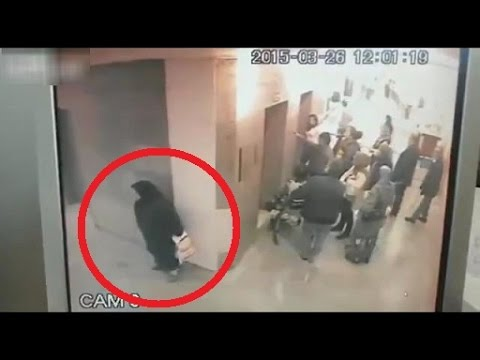 Old lady poops in the hospital hallway