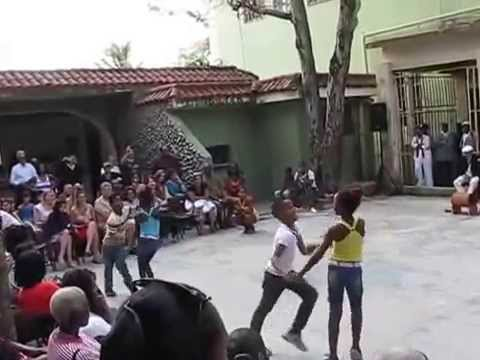 Did you have see kids dancing like this?